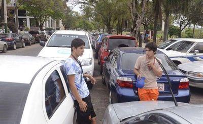 Asunceno pagará por estacionar frente a su casa