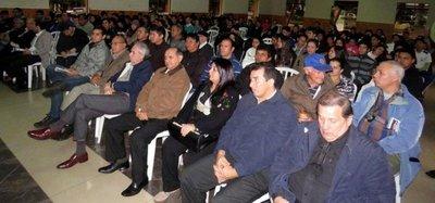 Afirman que Paraguay debería exigir que deuda de Yacyretá sea auditada