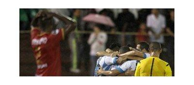 Racing empata en Colombia y avanza en la Sudamericana