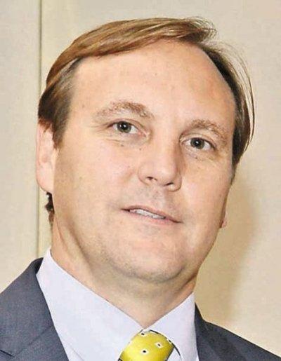 Senado trata pedido para interpelar a López Moreira