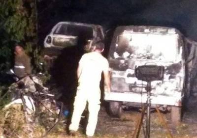 Cortocircuito ocasionó incendio de vehículos en comisaría
