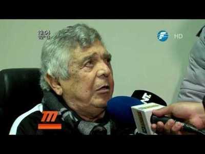 Osvaldo Dominguez Dibb visitó al plantel del Olimpia