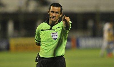 Antonio Arias dirigiirá mañana el choque entre Figari y Sportivo San Lorenzo