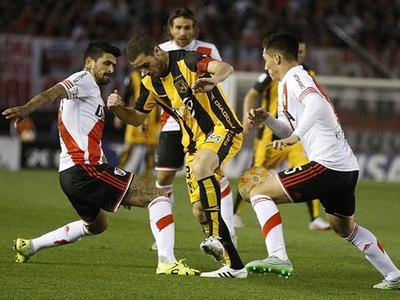 Guaraní bien ofensivo no pudo con River y se fue de la Copa