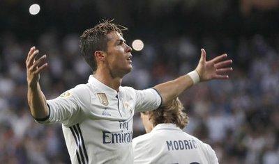Cristiano exhibe galones en el Real Madrid del futuro