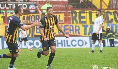 José Leguizamón marca un gol para Central en la Copa Argentina