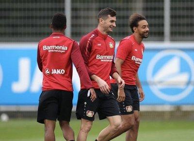 "River Plate considera ""ilegal"" fichaje de Alario"