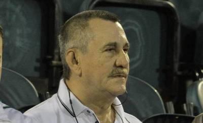 Exige la expulsión de Díaz de Vivar