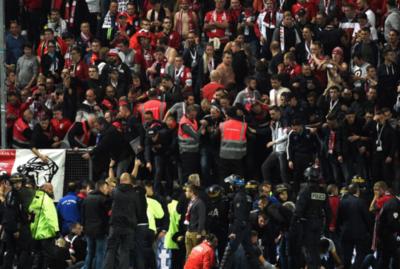 Francia: 18 heridos en derrumbe de tribuna