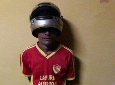 """Oñembo """"casco hû"""", pero igual le pillaron en seco"""