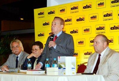 Presentan libro que testimonia lucha por la soberanía energética en Itaipú