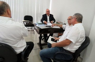 Senadores rechazan acuerdo sobre Yacyretá por no transparentar deuda