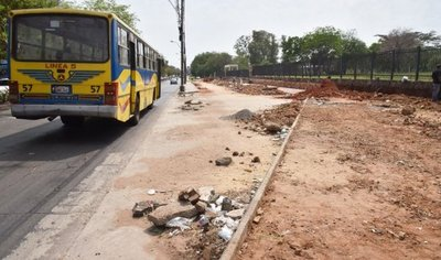Lento avance en obras de dársenas frente al IPS genera molestias