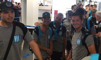 Racing se instala en el país a la espera del partido con Libertad