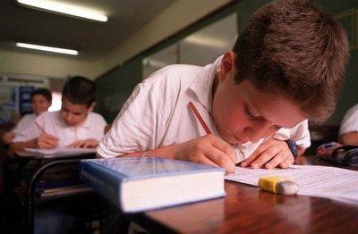 Gremio de colegios privados rechaza ley de cuotas