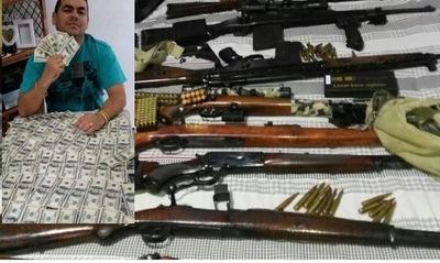 """Hallan armas, joyas y dinero en casa del """"millonario del WhatsApp"""""""