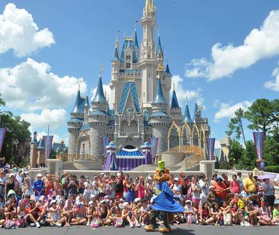 Extraña enfermedad obliga a cerrar algunas instalaciones de Disneyland