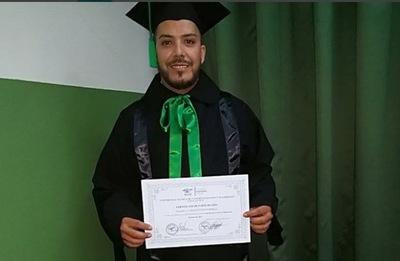 El Diputado Carlos Portillo Sigue Sumando Títulos Universitarios
