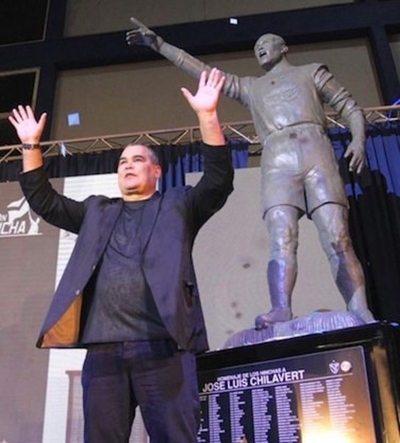 ¡Vélez homenajeó a José Luis Chilavert!