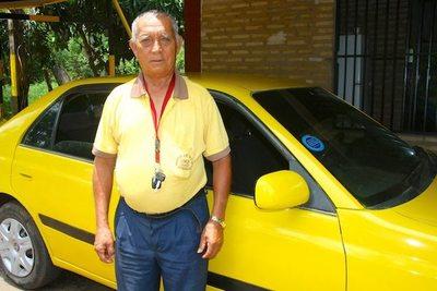 """""""Dios me regaló una familia adentro de mi propio taxi"""""""