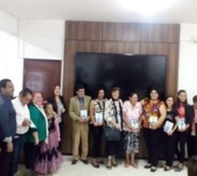 Presentaron Antología Bilingüe de Alto Paraná