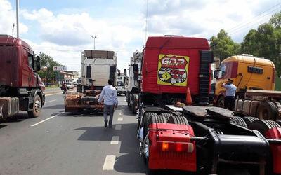 """Aseguran que """"alboroto"""" de camioneros contra los bitrenes es injustificable"""