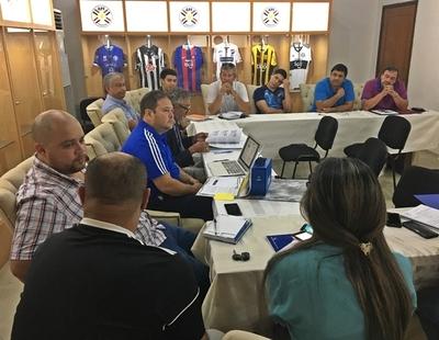 Workshop con representantes de clubes paraguayos sobre nuevos alcances de reglamentos Conmebol