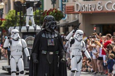 Disney construirá parques temáticos de Star Wars y Frozen
