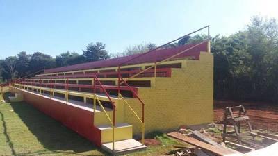 Valoran construcción de gradería para club deportivo