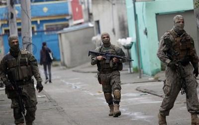 Refuerzan intervención militar en Río de Janeiro