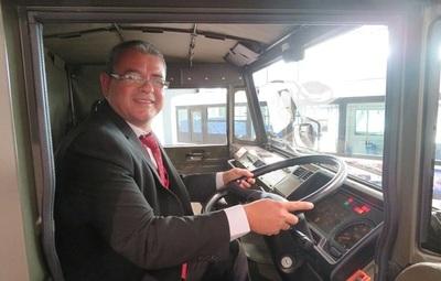 Premian al mejor vendedor de camiones de Isuzu con una visita a la fábrica en Japón