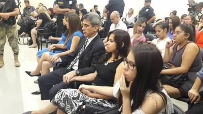 Familia Villamayor 'aliviada y con un poco de paz' por la sentencia a René Hosftetter