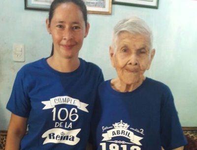 106 años floridos: ¡Feliz cumple ña Julia!
