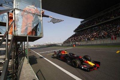Ricciardo gana el GP de China de F1