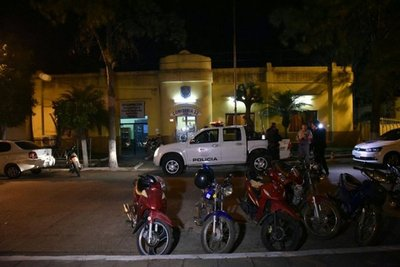 Policías causan disturbios en servicentro