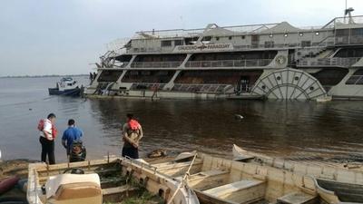 HOY / Crucero Paraguay empezó a hundirse y rápida reacción lo salva