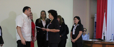 Ministro de Salud rinde homenaje a enfermeros