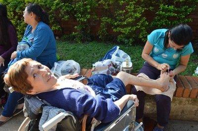 Personas con discapacidad brindaron servicios de belleza