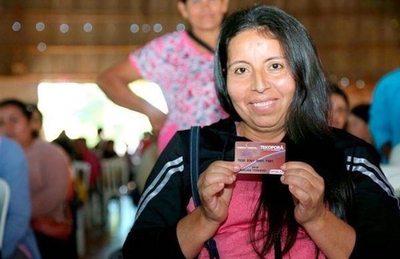 Más familias reciben ayuda de Tekoporã