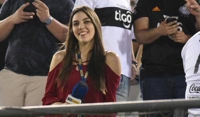 """HOY / Sin """"colores"""" en la cancha, Nati Sosa Jovellanos cautiva a la afición deportiva"""