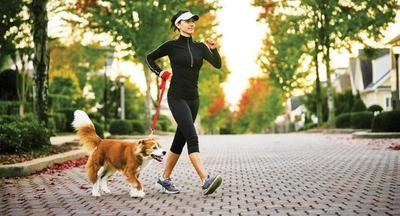 Caminar rápido prolongaría la vida de las personas