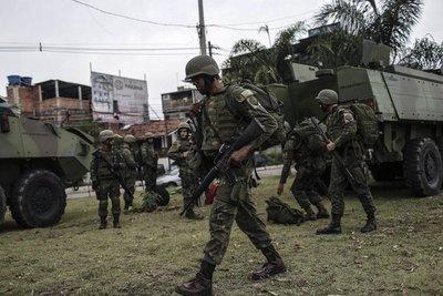 Un muerto y 10 presos en operación de militares en Río