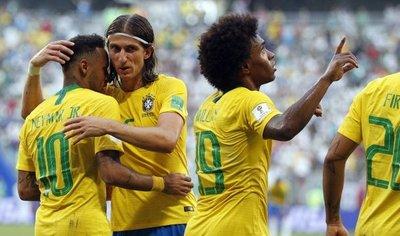 Cinco claves que explican el paso firme de Brasil a los cuartos de final