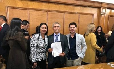 """HOY / Parlasuriano fue votado por 40.000 sanpedranos, defiende su hijo: """"No entró de colado"""""""