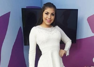 La Novia Del Diputado Carlos Portillo Conducirá Un Noticiero