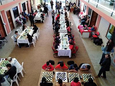 Torneo de ajedrez coronó fiestas patrias de Perú