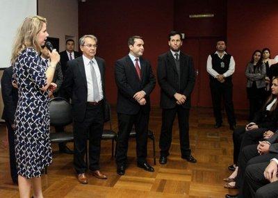Liz Cramer presentó a viceministros