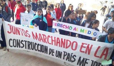 Hubo marcha y golosinas en festejos del Día del Niño