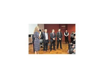 Cramer apuesta por técnicos en gabinete de viceministerios