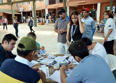"""Cuatro diputados de ANR y PLRA plantean """"muerte civil"""" del elector"""